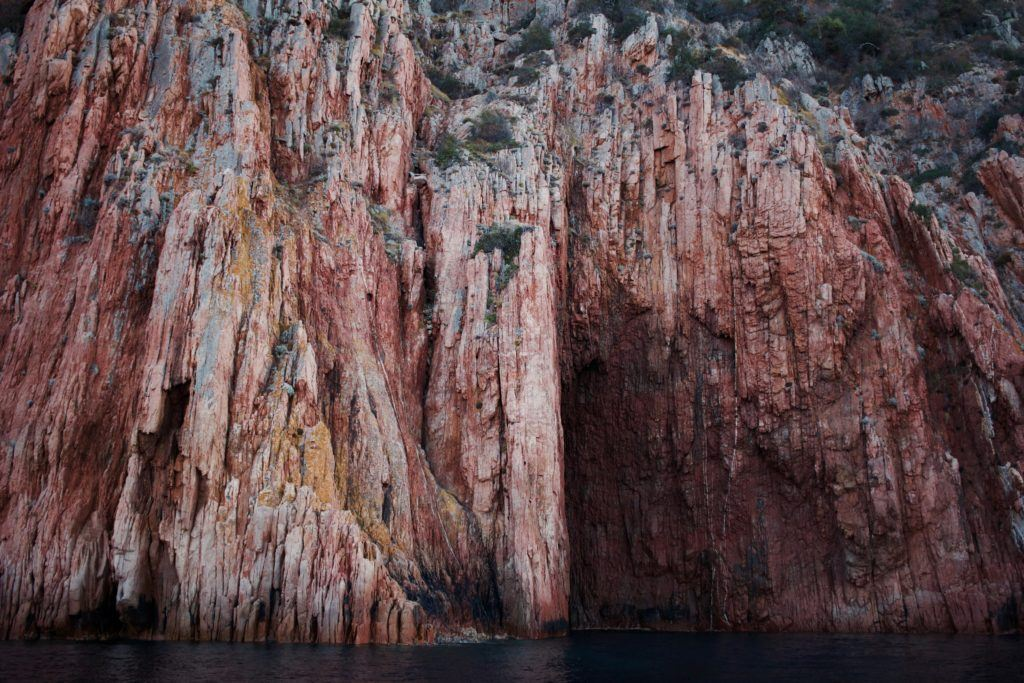 Corse-falaise