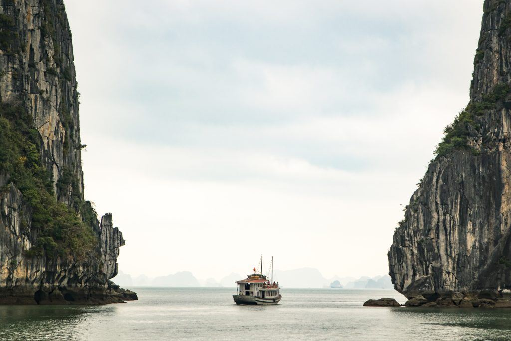 baie-dhalong-vietnam