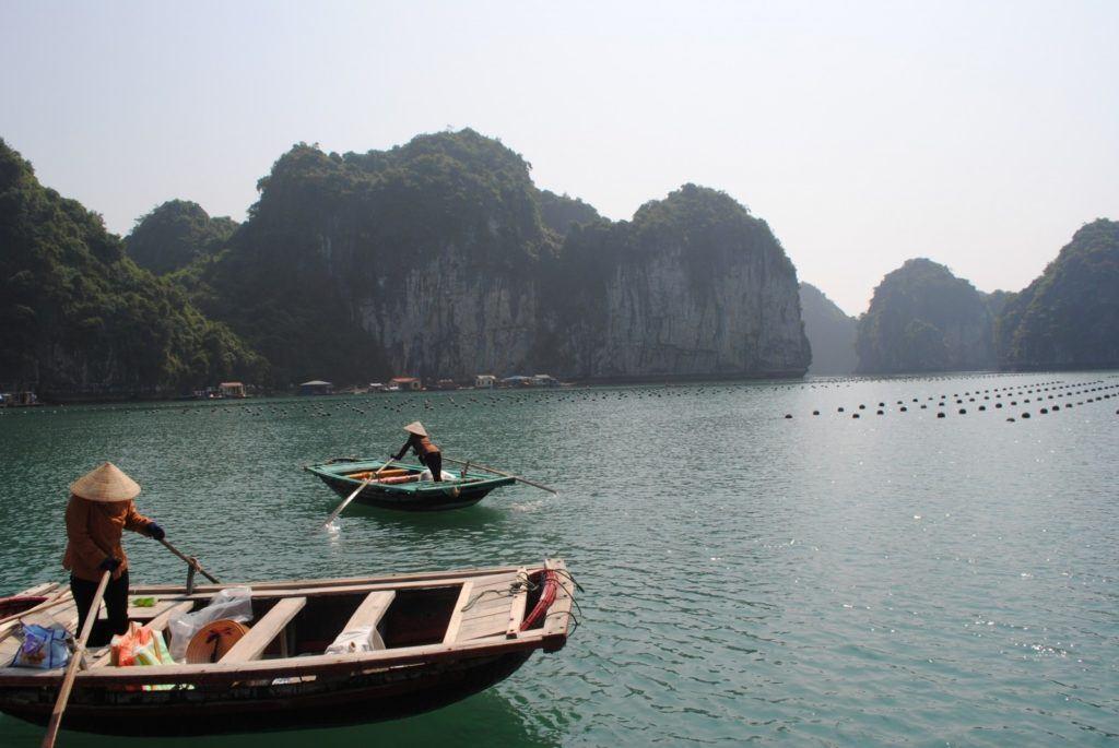 pecheur-baie-dhalong-vietnam