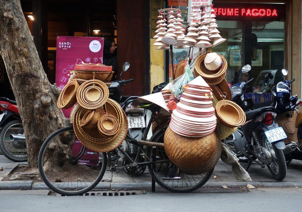 tradition-non-vietnam
